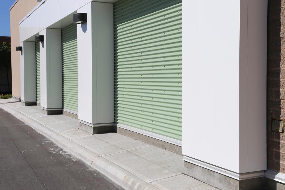 garage-doors-at-a-modern-building